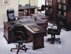 Правильная офисная мебель для руководителя.